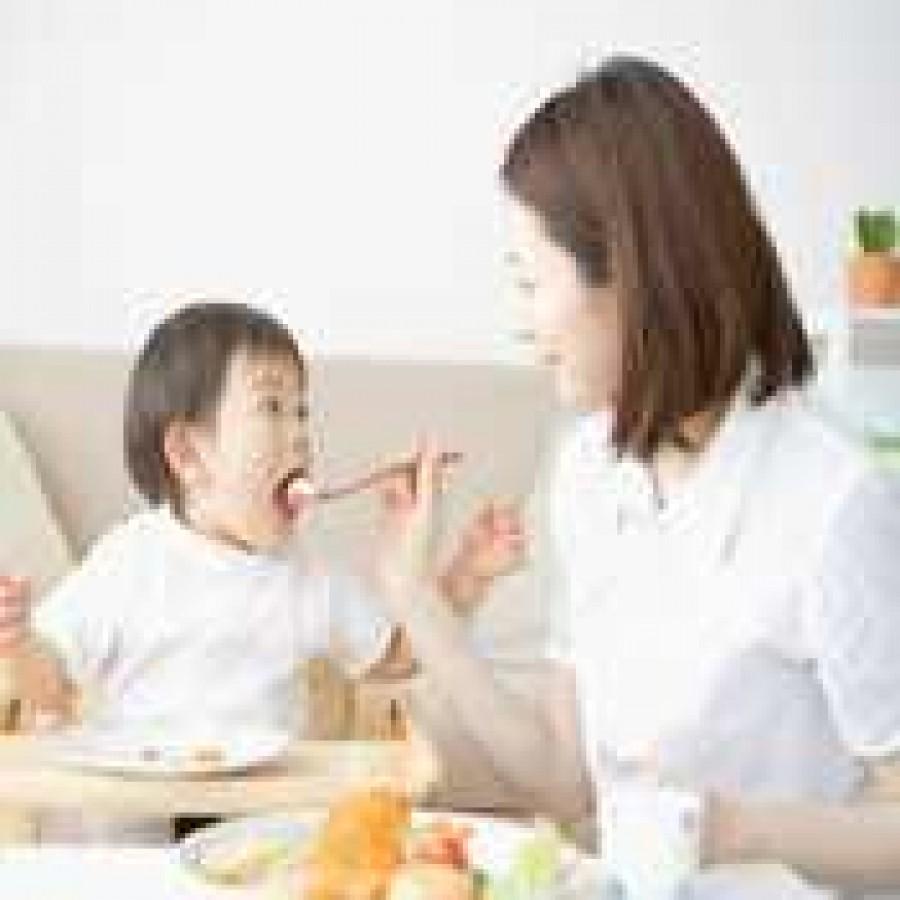 Dụng cụ ăn uống cho bé